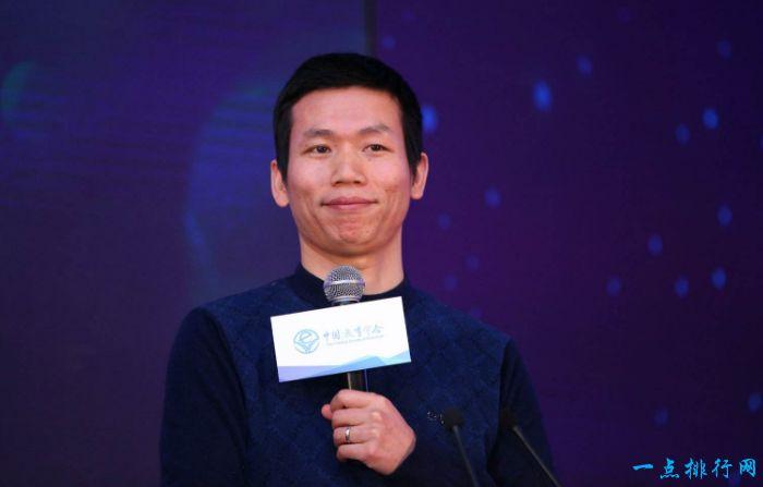 2017胡润教育企业家榜:张邦鑫400亿元位居第一