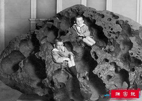 世界上最大的陨石 纳米比亚距离陨石重达60吨
