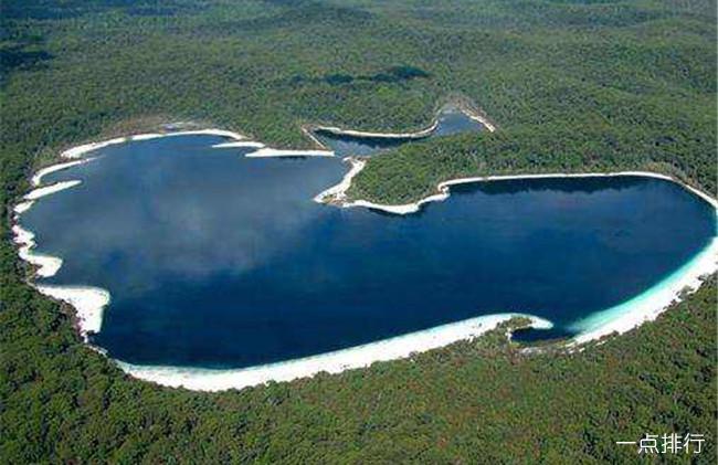世界十大最不可思议的湖泊 纳特龙湖能将动物瞬间石化