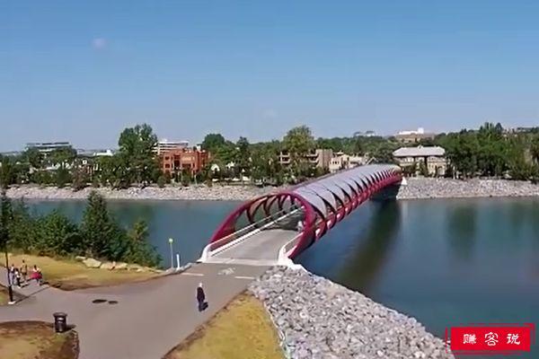 世界上最烧钱的桥 126米造价1.56亿