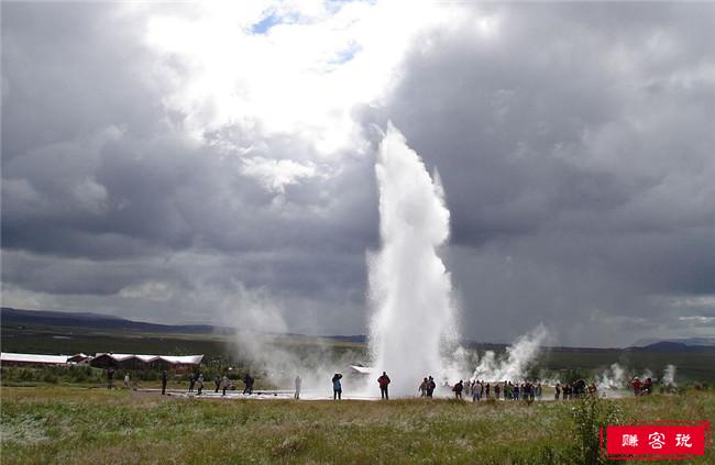 冰岛十大水上景点 排名第一的格莱姆瀑布高达650英尺