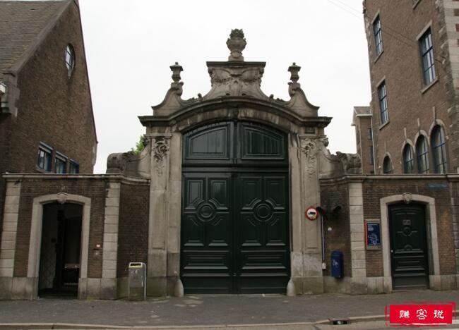 2018年荷兰马斯特里赫特大学世界排名 留学费用