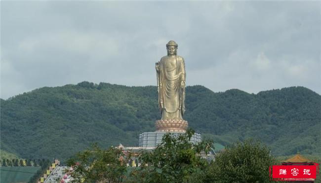 中国泉寺大佛