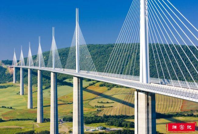 最令人印象深刻的十大现代工程建筑 百龙天梯占据第八