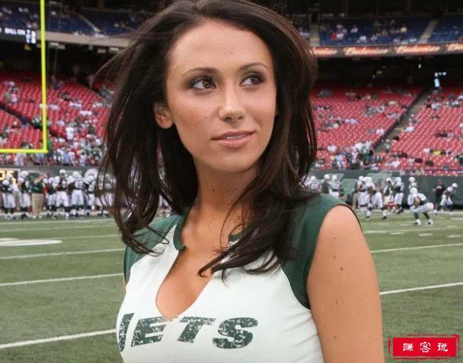 全球十大最美体育女记者 艾琳·安德鲁斯位居榜首