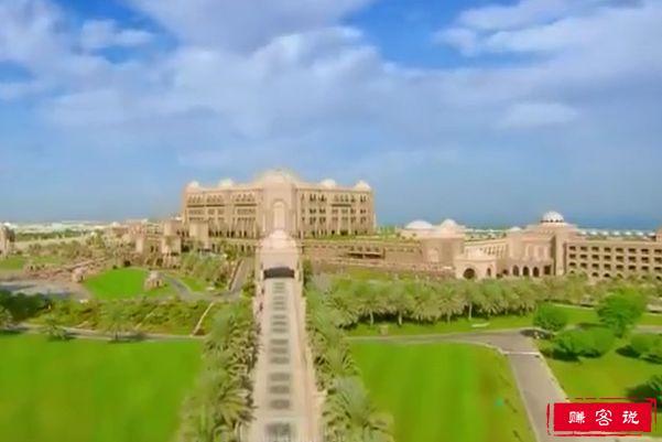 世界上最奢华的酒店 40吨黄金打造一晚8万5千元