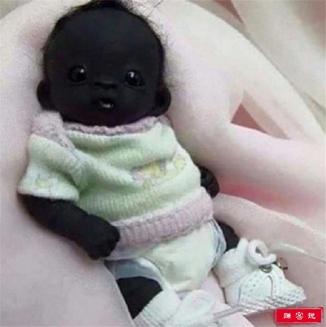 世界上最黑的孩子 比包黑炭要黑的多