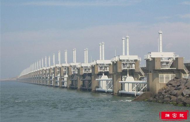 世界十大惊人的工程成就 中国长城是世界最著名的人工屏障