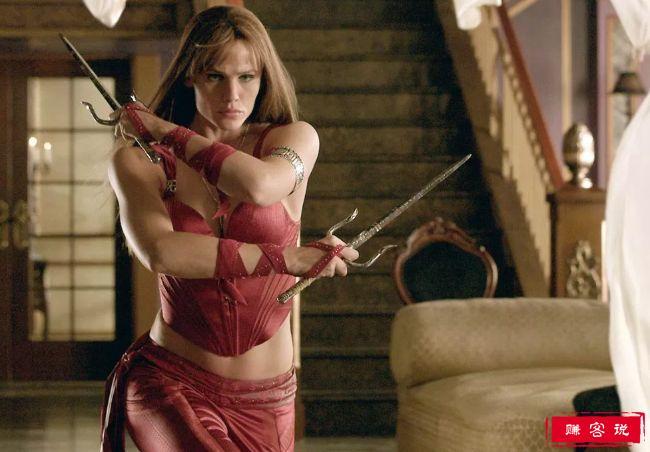 十大女性超级英雄 斯嘉丽·约翰逊扮演的黑寡妇排第一