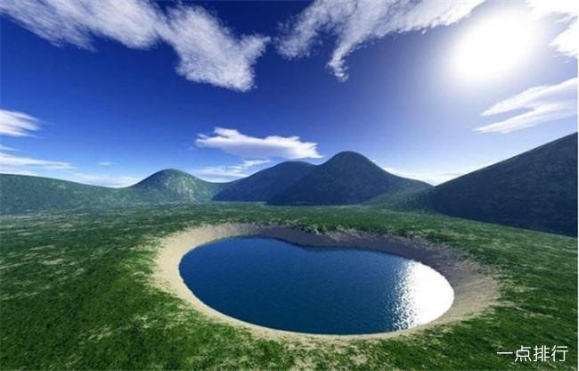 世界十大最浪漫的心形湖泊 情侣们最佳的旅行胜地
