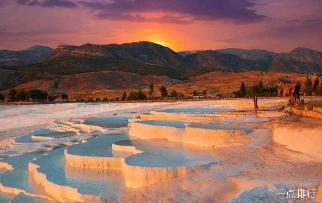 世界十大奇特的自然景观 每一处都让人惊叹