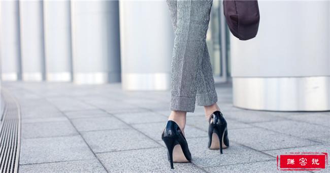 穿高跟鞋的十大弊端 经常穿高跟鞋的危害