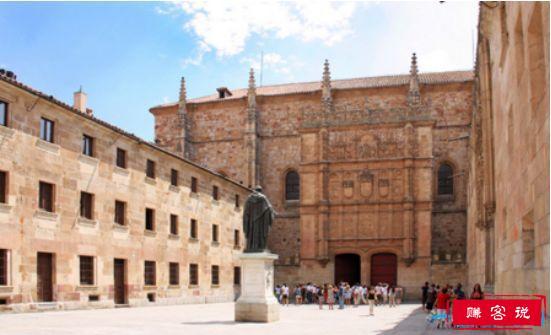 世界上最古老的大学,卡鲁因大学拥有1157年的历史(建于859年)