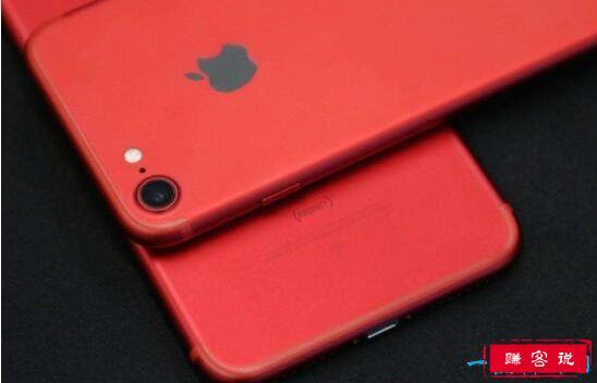 十款惊艳的红色手机 让烈焰红唇照亮你的美