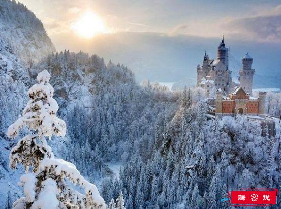 世界上最壮观的冰雪城堡,如同画集般美丽的初雪城堡